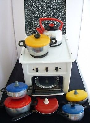 German 1960s vintage toy #steel enamel #cooker oven & pans - fully #working - rar,  View more on the LINK: http://www.zeppy.io/product/gb/2/231965975570/