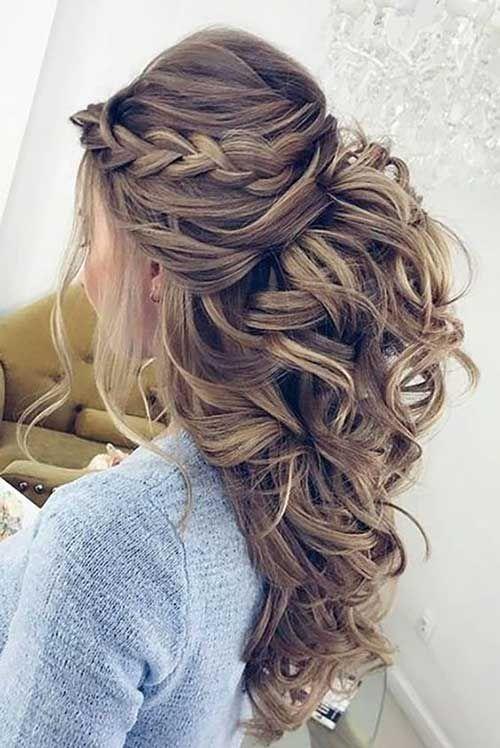 Como Elegir El Peinado Perfecto Para Ser Dama De Honor El Como De Las Cosas Peinados Con Trenzas Elegantes Peinados Boda Pelo Largo Peinados Elegantes