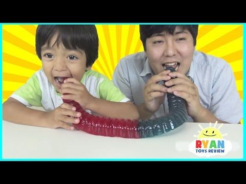 Extreme Warheads Challenge Sour Candy Youtube Kids Candy Kids Meals Candy Review