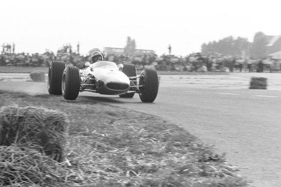 Jochen Rindt - Brabham BT23 Cosworth FVA - Roy Winkelmann Racing - II Flugplatzrennen Tulln-Langenlebarn 1967