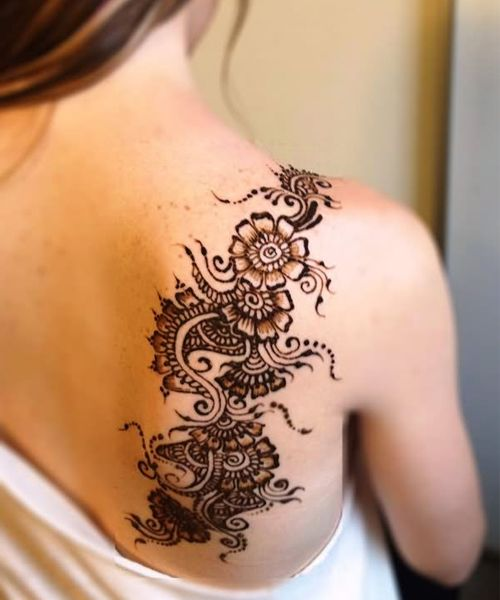 Sweet Henna Flower Tattoos On Back Shoulder For Women Henna