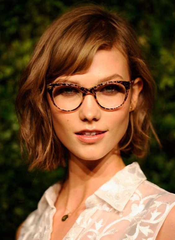 Oblong Face Shape Hairstyles: Waves Look Great on Women With Long Face Shapes