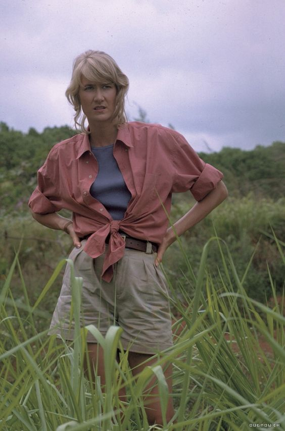 Female characters in action movies Dr. Ellie Sattler Laura Dern Jurassic Park Estante da Sala