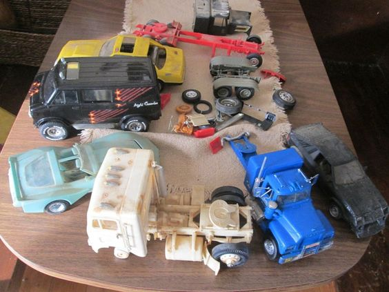 model car and trucks, lot for parts