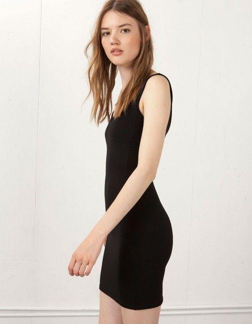 Bershka Sevgili Boyun Elbise Kadinlive Com Moda Stilleri Kadin Modasi Siyah Kisa Elbise