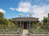 An Edible Cottage Garden With a Pleasing Symmetry (10 photos)