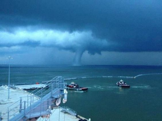 Water spout that came onto land in Hampton, VA.. about 45 minutes away from me. Holy crap nuts 6/1/12