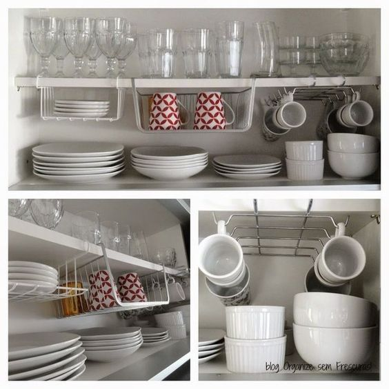 E um segredo para multiplicar o espaço do seu armário de cozinha: prateleiras aramadas.   25 ideias de organização que vão mudar a cara da sua cozinha