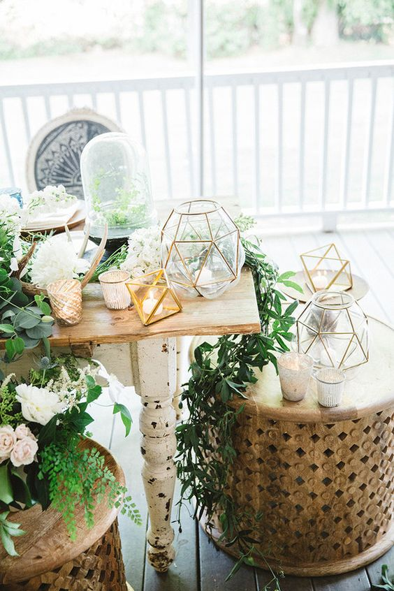 inspiration-party-mariage-bohemien-detail-photophore-laiton-fleurs-decoration-mademoiselle-claudine