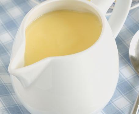 Non mangiate derivati animali? Ecco un'ottima crema pasticcera vegan da utilizzare per preparare numerosissimi e golosissimi dolci.