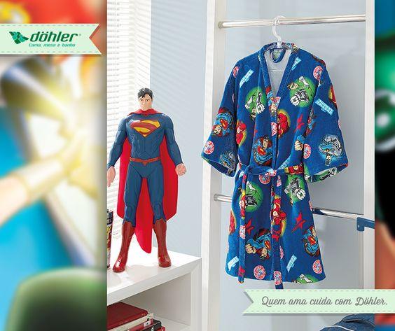 Deixe o seu garotão curtir as férias como um verdadeiro super-herói! O roupão da Liga da Justiça garante conforto e muitas brincadeiras!