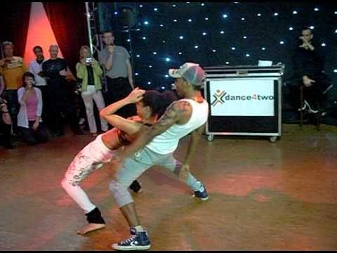Rythmes endiablés, musiques caliente, la salsa cubaine est la danse idéale pour bouger son corps sur une musique ensoleillée. Envie d'essayer ? Découvrez not...