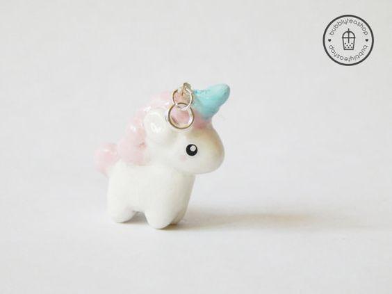Petite Licorne charme Licorne collier Licorne par BubblyTeaShop