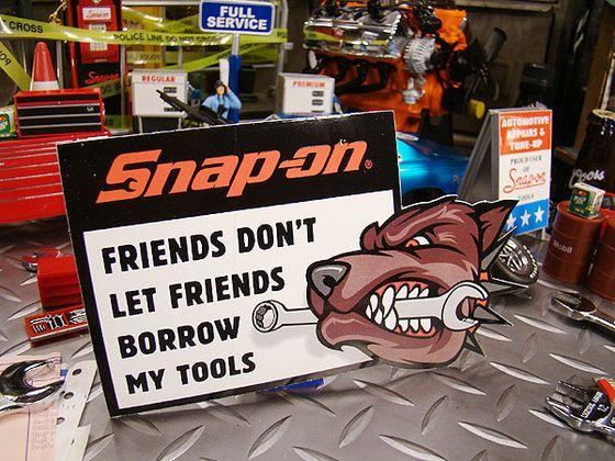 楽天市場 スナップオンのステッカー Mad Dog 自分仕様だから愛着も強くなる 世田谷ベース 人気のアメリカ雑貨屋 おしゃれ おもしろ アメリカン雑貨 車 バイク スーツケース デカール シール かわいい アルファベット 英文字 人気のdiy Snap On ア ステッカー