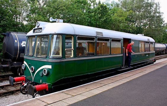 https://flic.kr/p/oFyeUW | Vorsprung Durch Technik @ Preston | The Waggon und Maschinenbau Railbus at the Ribble Steam Railway was out today.On a 5 year loan from the NNR and the only one running with the original Buessing engine.