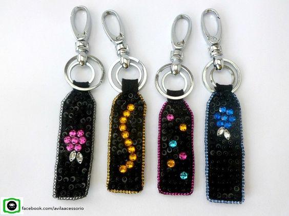 Chaveiros bordado com miçangas https://www.facebook.com/avilaacessorio