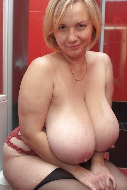 Big mature tit white woman