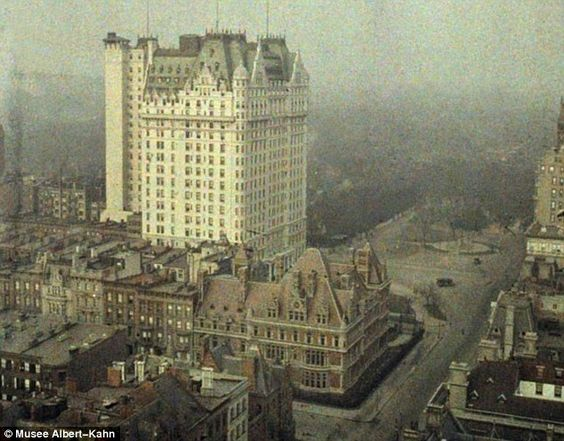 One of the first ever colour photographs from America of New York, the big building is the Plaza Hotel! ca.1907. This view is looking north up Fifth Avenue, you can see Central Park in the Distance and one of the old mansions where Bergdorf Goodman department store now stands.