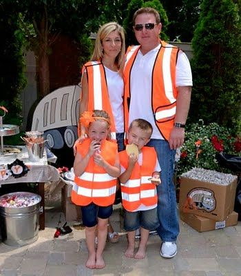 Brody's garbage truck party ideas. I have to admit I never considered throwing a garbage truck party.
