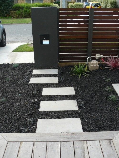 Front yards metals and metal fences on pinterest for Contemporary front yard