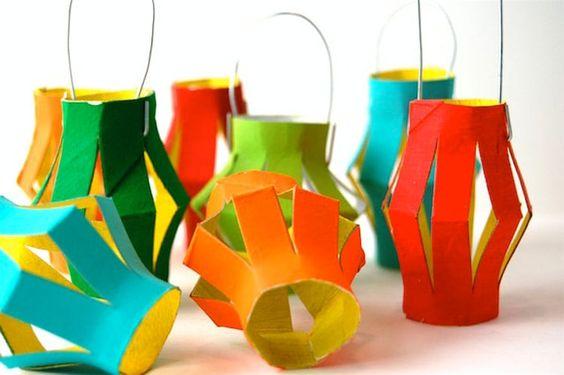 Farolillos decorativos con rollos de papel
