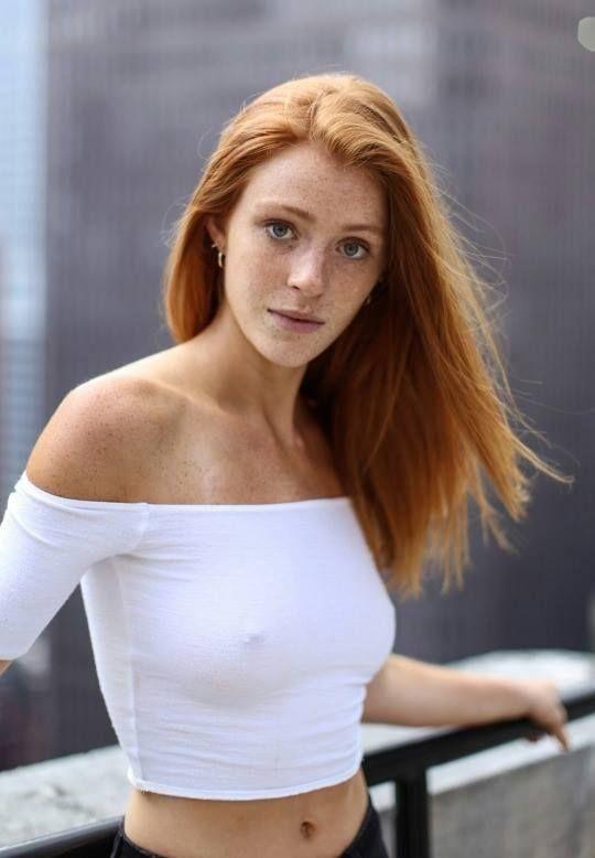 Pin By Jim Feeney On Redheads Beautiful Redhead Redhead Beauty