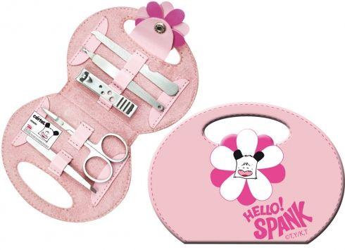 HELLO SPNKPANK TROUSSE MANICURE FIORE 5P  Mini borsetta Hello Spank in eco-pelle di colore rosa con all'interno set manicure così composto: pinzette per sopracciglia, tagliaunghie, forbicine, lima per unghie e taglia cuticole.
