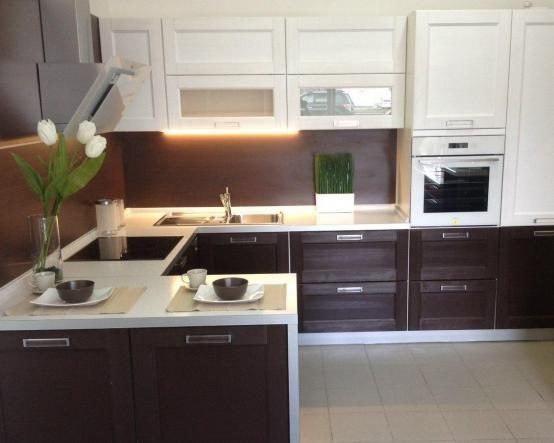 Черно-белая П-образная кухня Адриатика изготовлена из современных материалов в стиле модерн http://www.mebel-zevs.ru/kukhni/kuhnja-71
