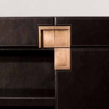 Door handles leather and luxury on pinterest for Tondelli arredamenti