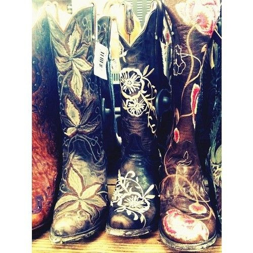 Boots boots boots! Muito amor.