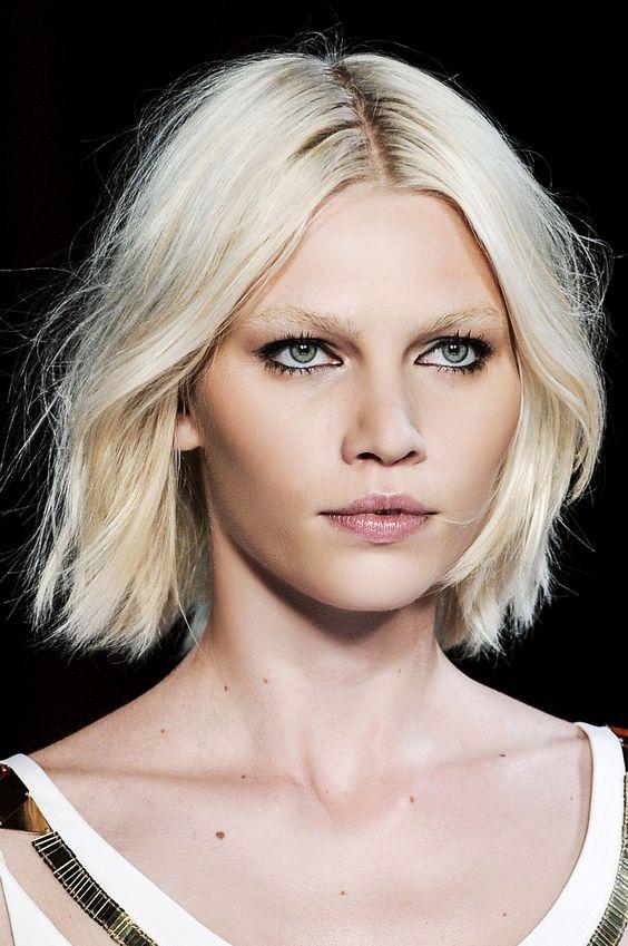 La coupe de cheveux tendance le carré. http//www.femina