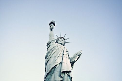 new york, usa, and statue of liberty-bild