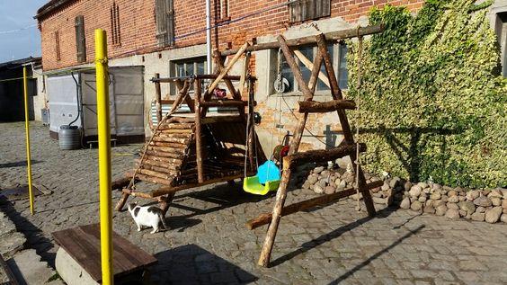 Naturholz schaukel mit seil undkletterturm. 5 Tage habe ich gebraucht um es zu bauen.