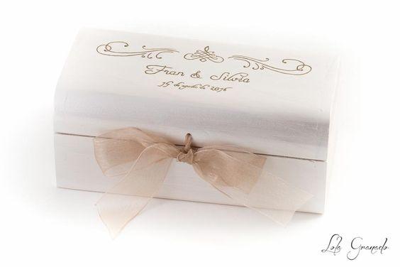 #Caja conjunta para #boda, #anillos y #arras, pintada a mano. Fran y Silvia. www.lolagranado.com