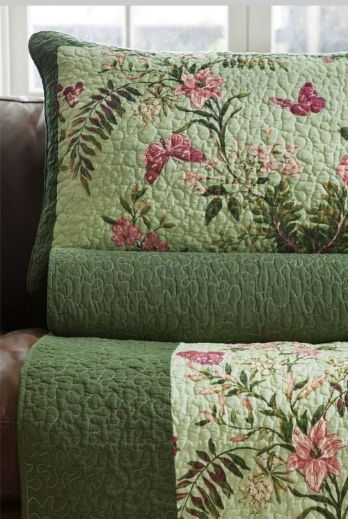 God And Country Living Soft Furnishings Quilts Bed