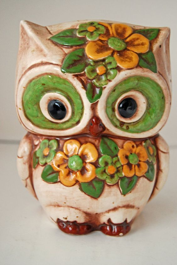 Mod •~• vintage green & yellow owl planter