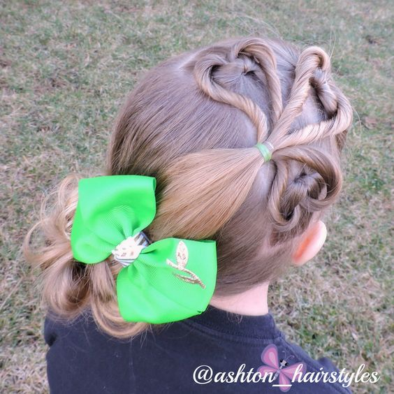 St. Patrick's Day hairstyle. LOVE! Inspired by @brownhairedbliss.