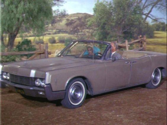 oliver douglas 39 1966 lincoln continental convertible in. Black Bedroom Furniture Sets. Home Design Ideas