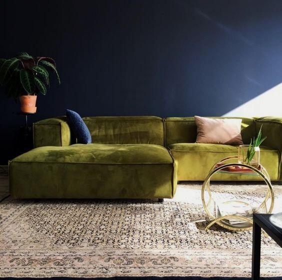 Pin By Nancy On Huis Green Velvet Sofa Velvet Furniture Green Sofa