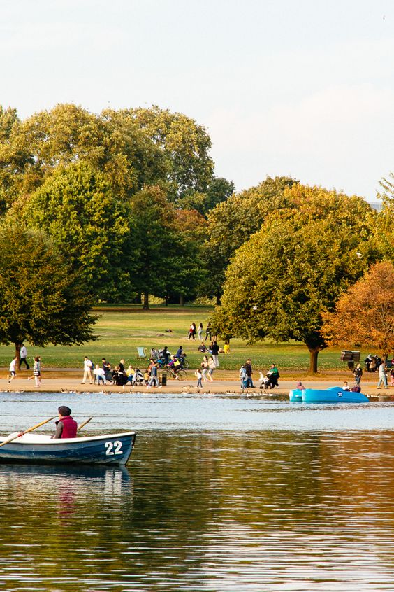 Take a boat out or just stroll around the Serpentine Lake in Hyde Park