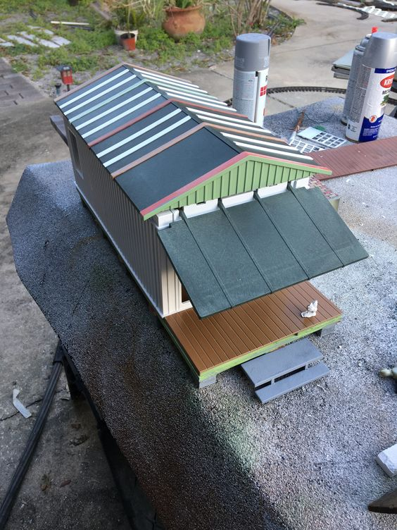 front porch woith roof strips