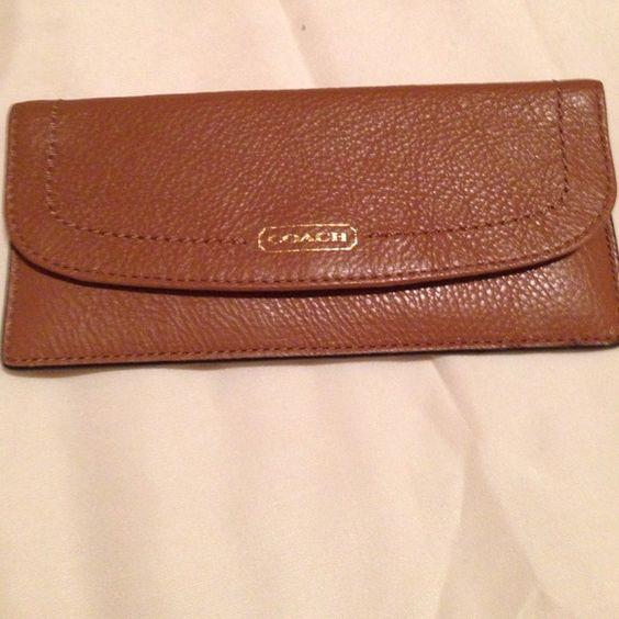 Wallet Like new brown coach wallet Coach Bags Wallets