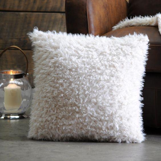 Housse de coussin imitation fourrure Mouton Blanc : choisissez parmi tous nos produits Coussin et housse de coussin