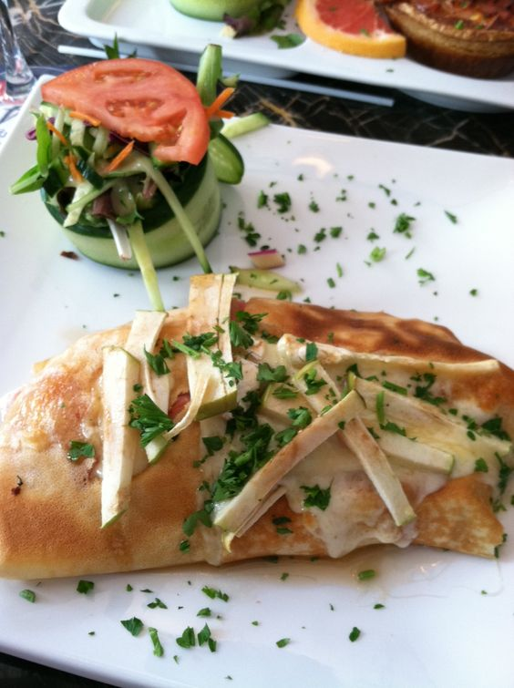 Crepes with ham, brie and green apple in Montreal