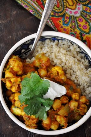 Spicy Moroccan Chickpeas with Quinoa (leave the greek yogurt out)