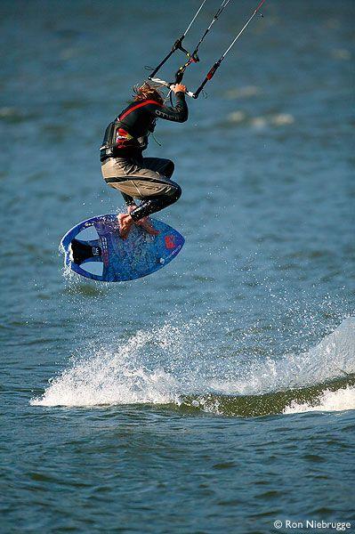 Freestyle strapless surf. Uma boa alternativa para diversão e novos desafios