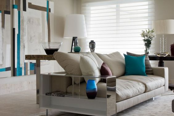 mesa redonda de madeira com cadeiras de acrílico - Google Search