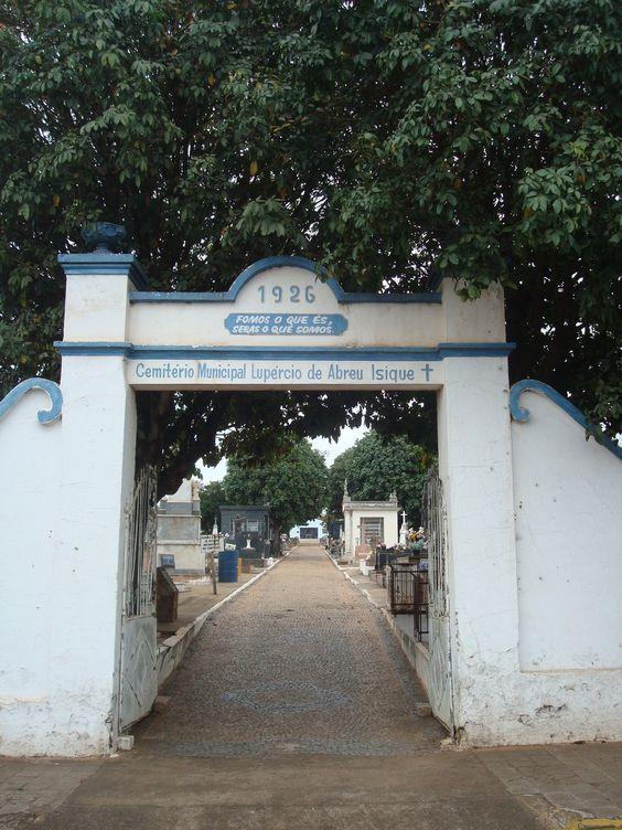 cemitério municipal Lupércio de Abreu Isique  Pindorama - SP - Brasil
