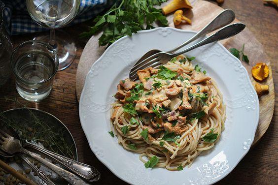 Pfifferling-Pasta mit Bohnen-Alfredo-Soße