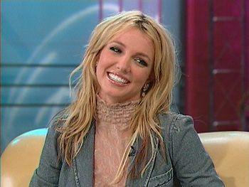 February 4 - The Oprah Winfrey Show - 003~1517 - THEONYXZONE.COM - Britney…